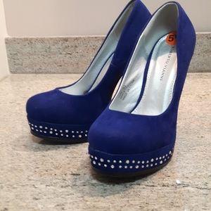 🛍️ blue heels with silver rhinestones